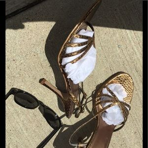 Sachi size 8 gold strappy stiletto heels